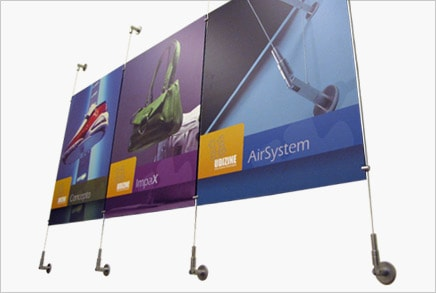 תצוגה למשרדים - קיר כבלים